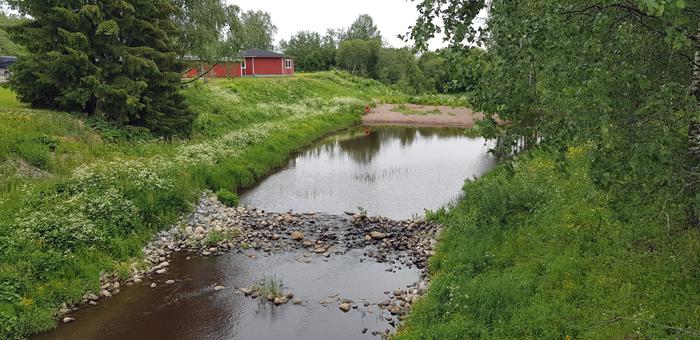 joki koski uimaranta talo